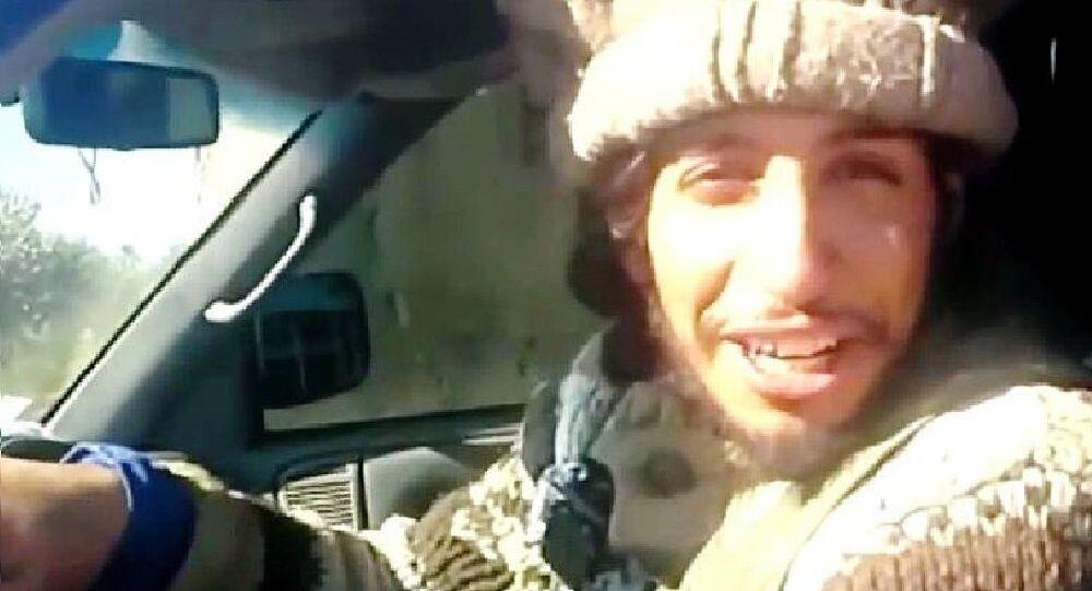 Imagen de Abdelhamid Abaaoud extraida de un vídeo de EI