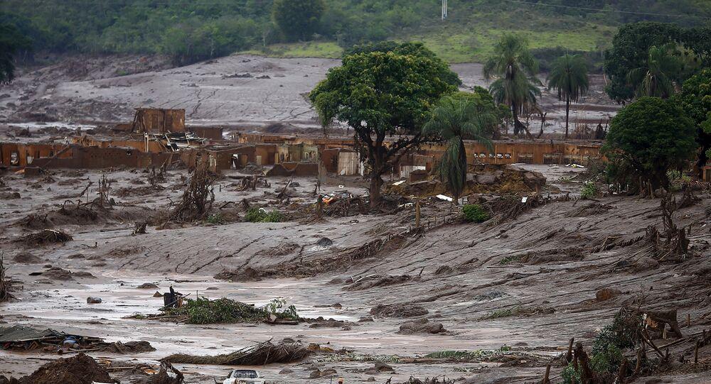 Bento Rodrigues en ruinas