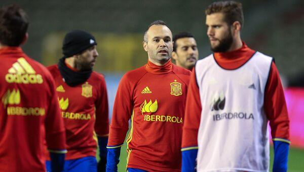 La selección española durante las preparaciones para el partido amistoso Bélgica-España - Sputnik Mundo