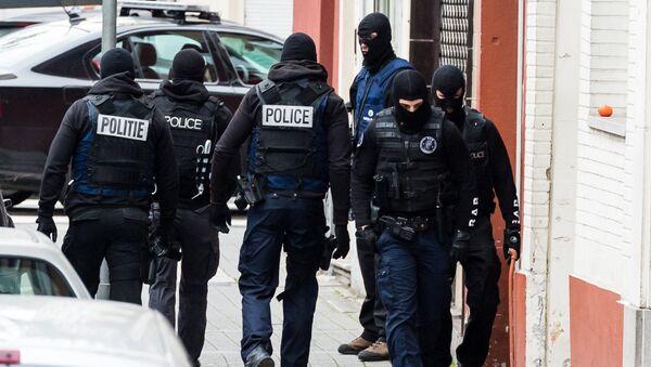 Policías en Bruselas - Sputnik Mundo