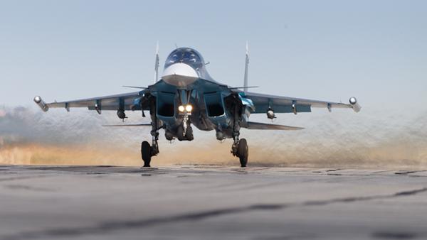 Fuerzas aeroespaciales rusas en el aeródromo de Hmeymim en Siria - Sputnik Mundo