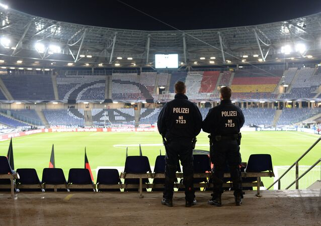 Anulan un partido de fútbol en Alemania tras encontrar explosivos