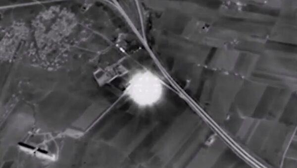 Pentágono confirma que ataques rusos en Siria alcanzaron blancos del EI - Sputnik Mundo