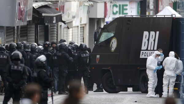 Soldados franceses en el suburbio de Saint-Denis - Sputnik Mundo