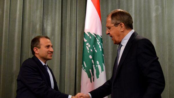 Ministro de Exteriores de Líbano, Yebran Basil, y ministro de Exteriores de Rusia, Serguéi Lavrov - Sputnik Mundo