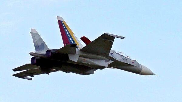 Avión Su-30 de la Aviación Militar de Venezuela - Sputnik Mundo