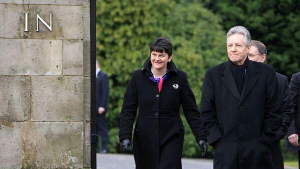 Arlene Foster, consejera de Finanzas en el gobierno autonómico de Belfast, y Peter Robinson,ministro principal de Irlanda del Norte - Sputnik Mundo