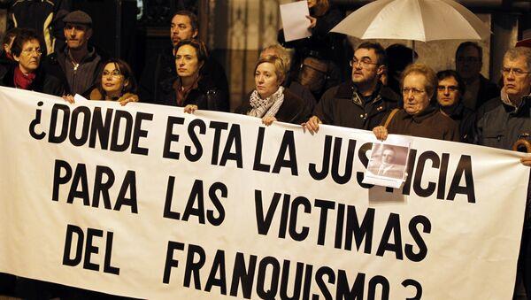 Manifestación en conmemoración de las víctimas del régimen de Francisco Franco - Sputnik Mundo