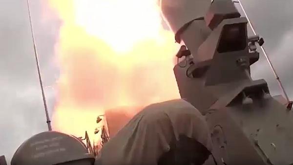 Flotilla del Caspio lanza 18 misiles de crucero contra terroristas en Siria - Sputnik Mundo