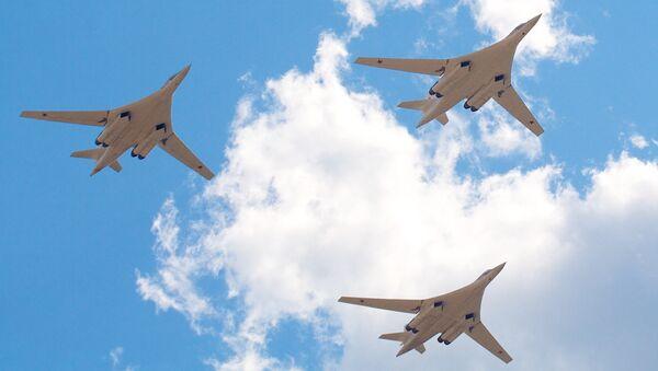 Bombarderos estratégicos Tu-160 - Sputnik Mundo