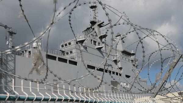Portahelicópteros Mistral en el astillero de Saint-Nazaire, Francia - Sputnik Mundo