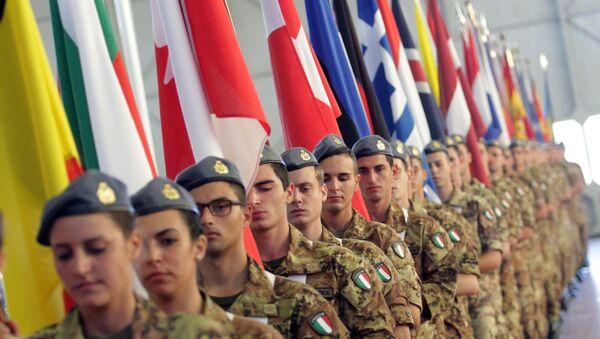 Soldados italianos - Sputnik Mundo