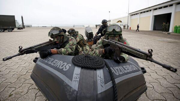 Soldados de la OTAN participan en las maniobras Trident Juncture - Sputnik Mundo