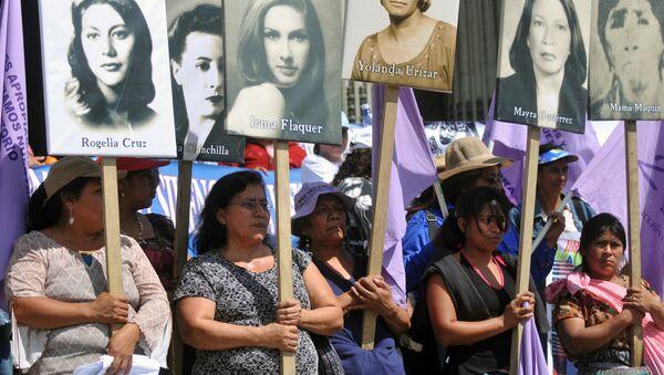 Una manifestación en contra de los feminicidios en América Latina en Guatemala (archivo) - Sputnik Mundo
