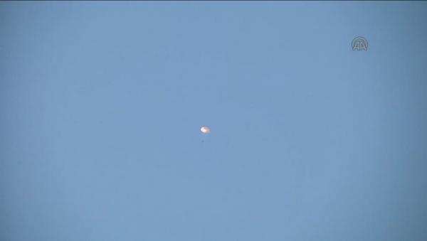 Un piloto del Su-24 supuestamente murió por ataque desde tierra - Sputnik Mundo