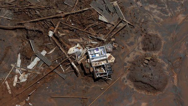 Consecuencias de la ruptura de la represa minera de Samarco en Mariana, Brasil (archivo) - Sputnik Mundo
