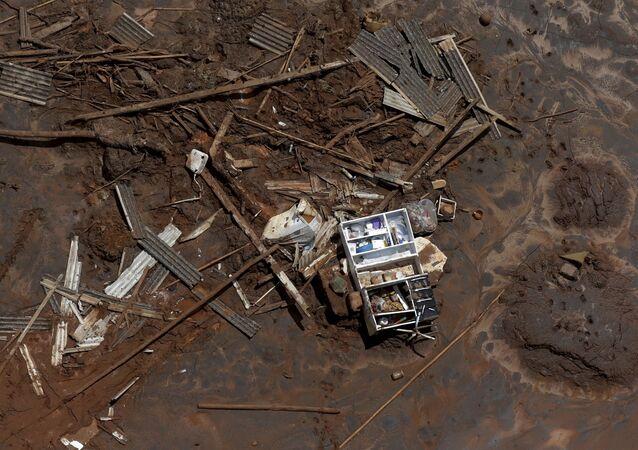 Consecuencias de la ruptura de la represa minera de Samarco en Mariana, Brasil