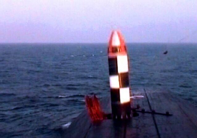Lanzamiento de prueba de un misil Bulavá
