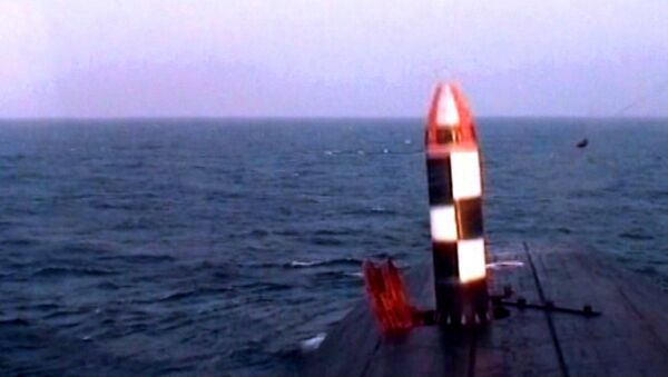 Lanzamiento de prueba de un misil Bulavá - Sputnik Mundo