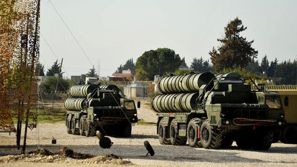 Sistema de defensa aérea ruso S-400 - Sputnik Mundo