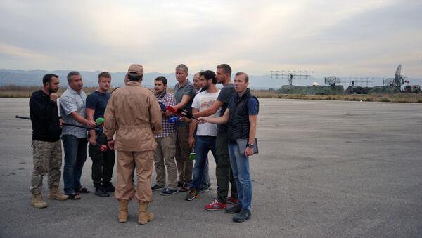 El piloto ruso que sobrevivió al ataque al Su-24 - Sputnik Mundo