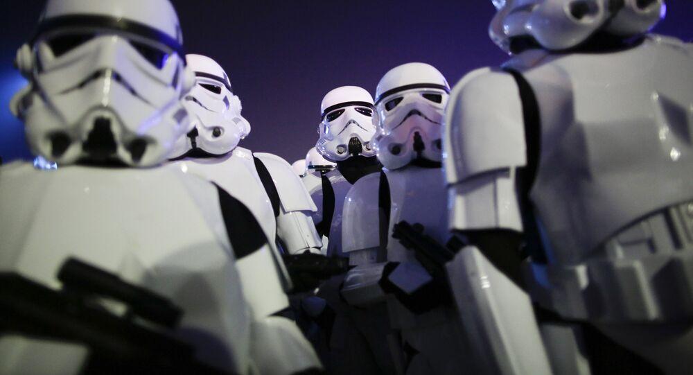 Fanáticos de Star Wars vestidos como Stormtroopers