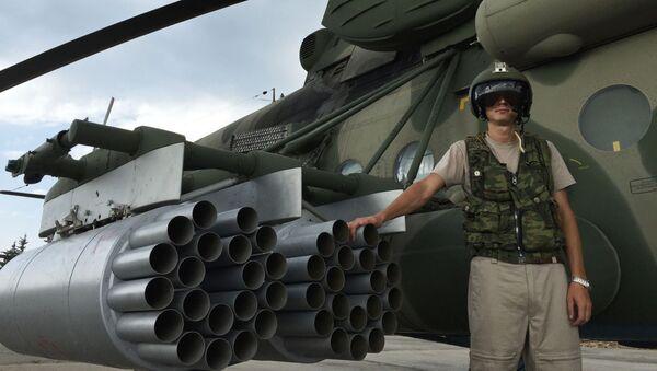 Piloto ruso en la base aérea siria de Hmeimim - Sputnik Mundo