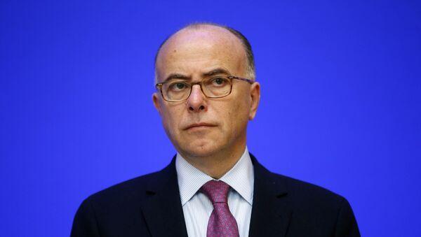 Bernard Cazeneuve, Ministro de Interior de Francia - Sputnik Mundo