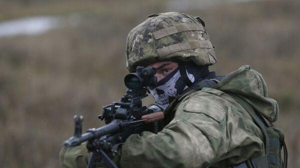 Militar ucraniano (archivo) - Sputnik Mundo