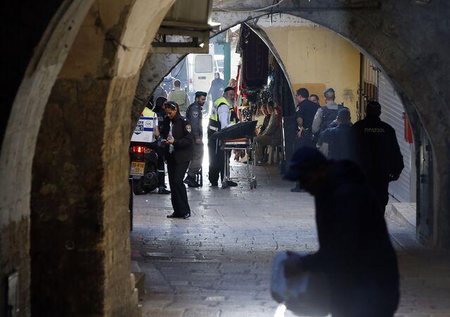 El lugar del ataque a un policía en Jerusalén