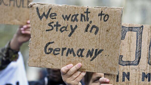 Cada vez más locales en Alemania impiden la entrada a refugiados - Sputnik Mundo