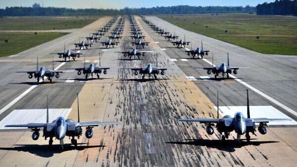 Cazas estadounidenses F-15 - Sputnik Mundo