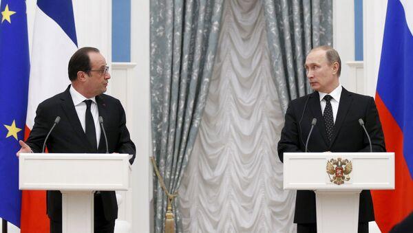 Presidente de Francia, François Hollande y presidente de Rusia, Vladímir Putin - Sputnik Mundo