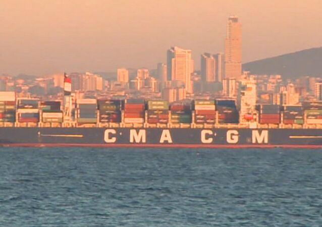 Turquía dificulta el paso de barcos rusos