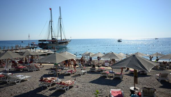 Turistas rusos en Antalya - Sputnik Mundo