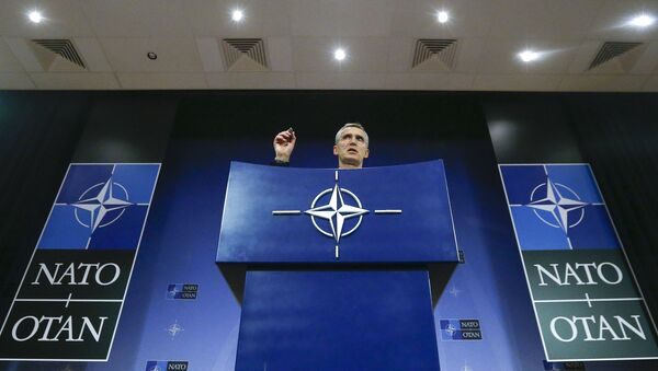 NATO Secretary-General Jens Stoltenberg holds a news conference during a meeting of the NATO foreign affairs ministers at the Alliance headquarters in Brussels - Sputnik Mundo