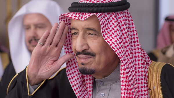 In this Jan. 6, 2015, file image released by the Saudi Press Agency, Saudi King Salman gestures during a session at the Shura Council - Sputnik Mundo