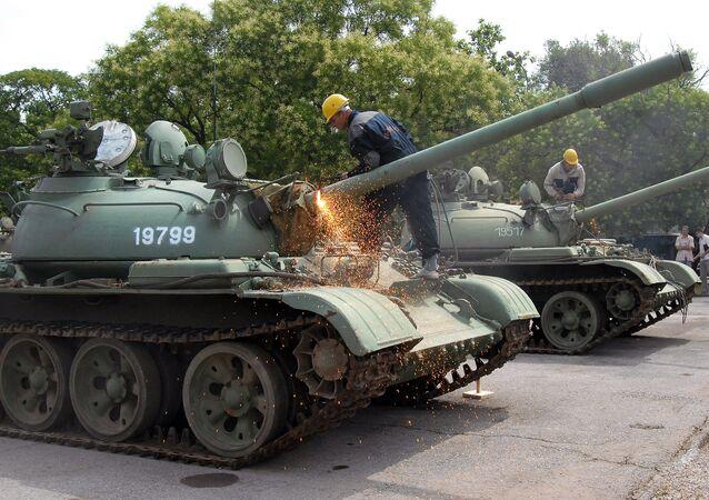 Tanques T-55, desmantelados por el recorte del gasto militar