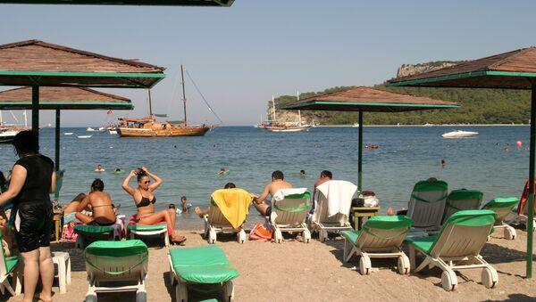 Moonlight Beach in Kemer, Turkey - Sputnik Mundo