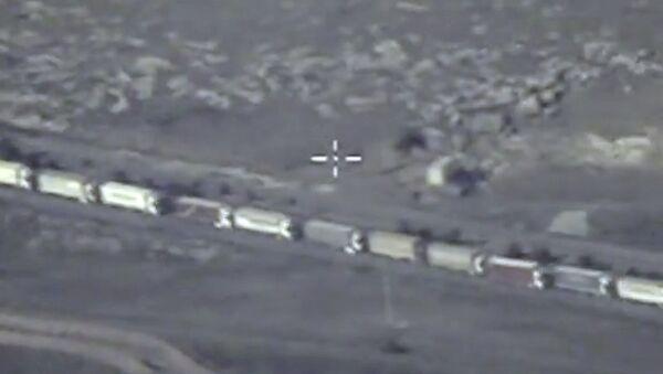 Los camiones con petróleo pasan de contrabando a Turquía - Sputnik Mundo