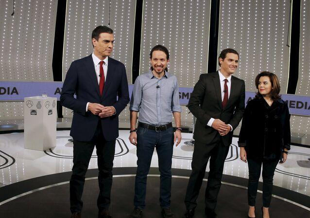 Pedro Sánchez (PSOE), Pablo Iglesias (Podemos), Albert Rivera (Ciudadanos), y Soraya Sáenz de Santamaría, vicepresidente del Gobierno de España