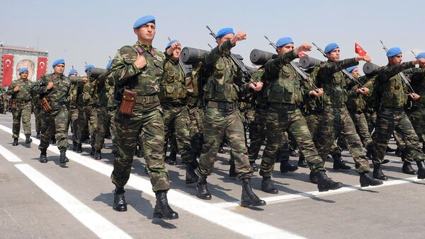 Turkish army's Peacekeeping Force parade during the Victory Day celebrations in Ankara, Turkey - Sputnik Mundo