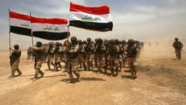 Soldados iraquíes participan en los ejercicios militares - Sputnik Mundo