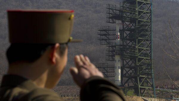 El lanzamiento de un cohete nortecoreano desde la base de Sohae (archivo) - Sputnik Mundo