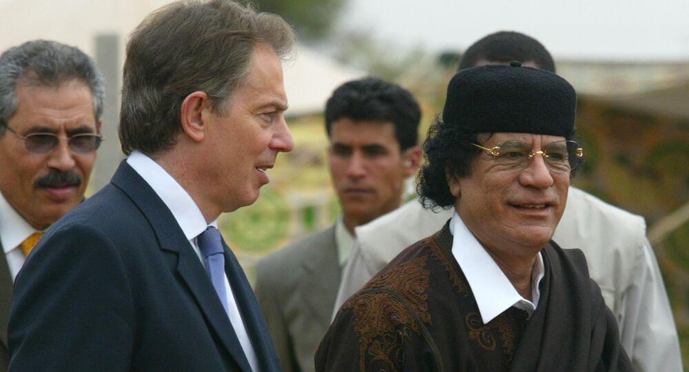 Ex primer ministro del Reino Unido, Tony Blair, y ex líder de Libia, Muammar Gadafi