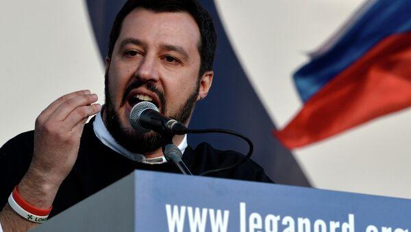 Matteo Salvini, líder del partido opositor italiano Liga Norte - Sputnik Mundo