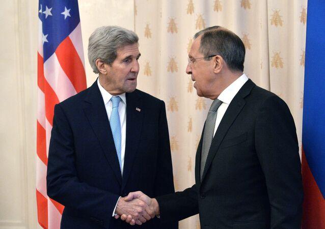 Secretario de Estado de EEUU, John Kerry, y ministro de Exteriores de Rusia, Serguéi Lavrov (archivo)