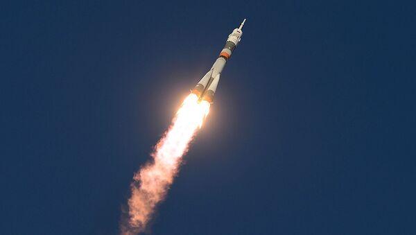 Старт космического корабля Союз ТМА-19М с космодрома Байконур, Казахстан - Sputnik Mundo