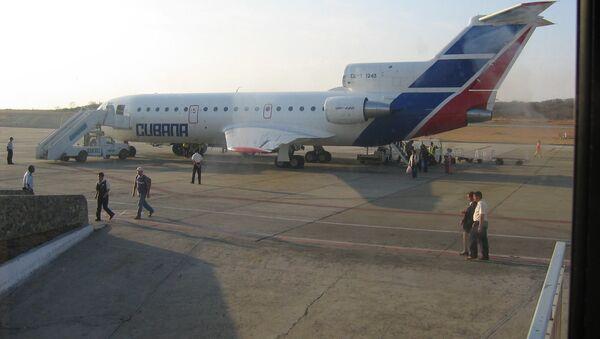 EEUU y Cuba podrían reanudar los vuelos directos antes de fin de año - Sputnik Mundo