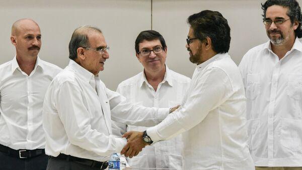 Negociaciones de paz entre las FARC y Colombia en La Habana, Cuba - Sputnik Mundo
